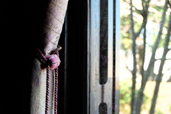お気に入りの窓際に。カーテンタッセルを作った時の体験談