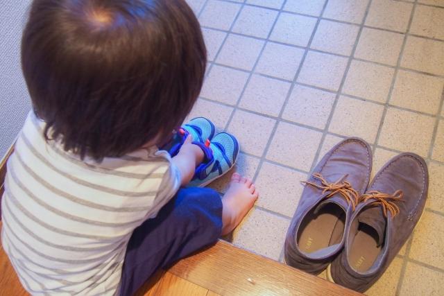 玄関をスッキリ見せる!靴を収納するオススメ方法